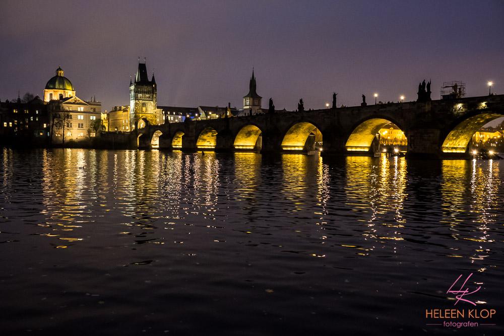 Karelsbrug by night