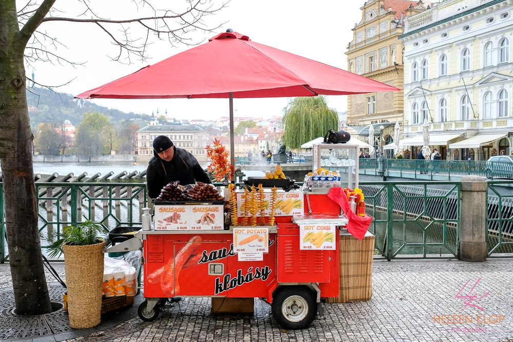 Straatcerkoper Praag